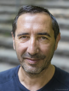 David Farmer - Author of Heidegger Le Nazi